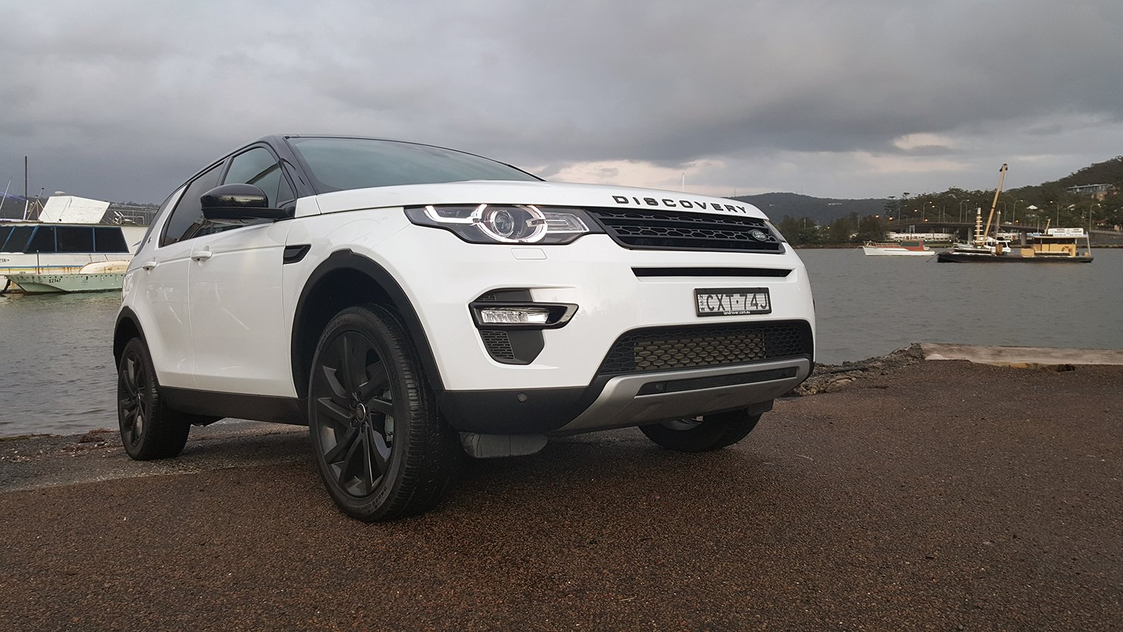auto review 2015 land rover discovery sport hse. Black Bedroom Furniture Sets. Home Design Ideas
