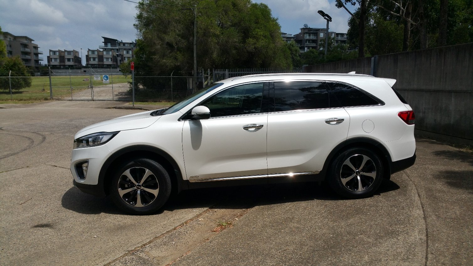 auto review 2016 kia sorento sli exhaust notes australia. Black Bedroom Furniture Sets. Home Design Ideas