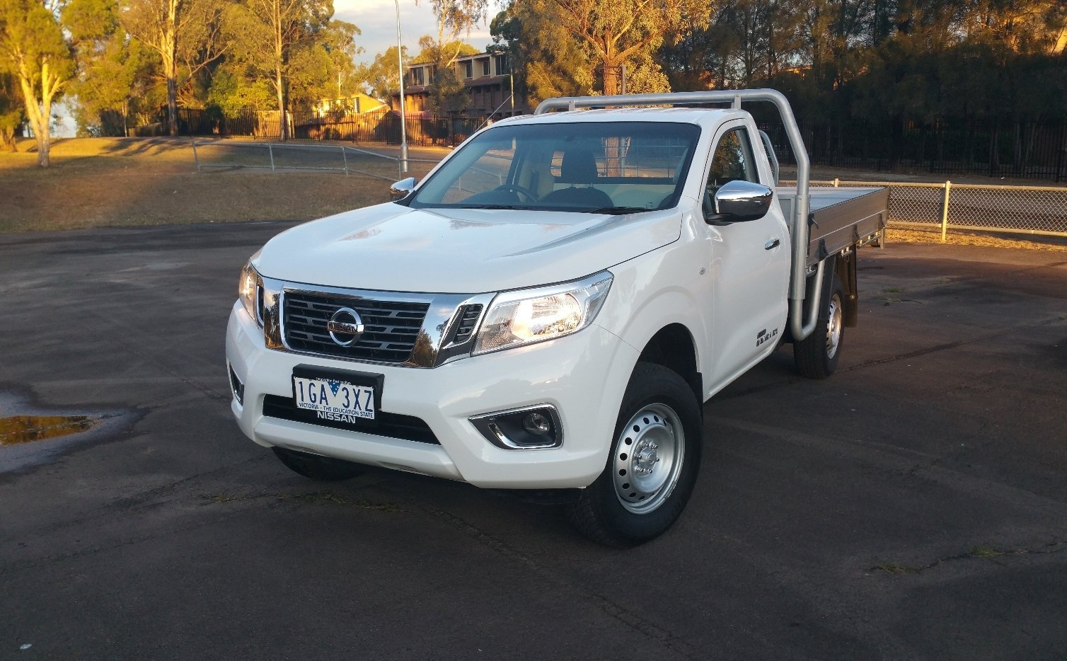auto review 2016 nissan navara np300 rx 4 4 diesel single cab exhaust notes australia. Black Bedroom Furniture Sets. Home Design Ideas
