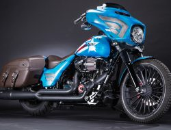 Captain America, Street Glide Special (Touring).