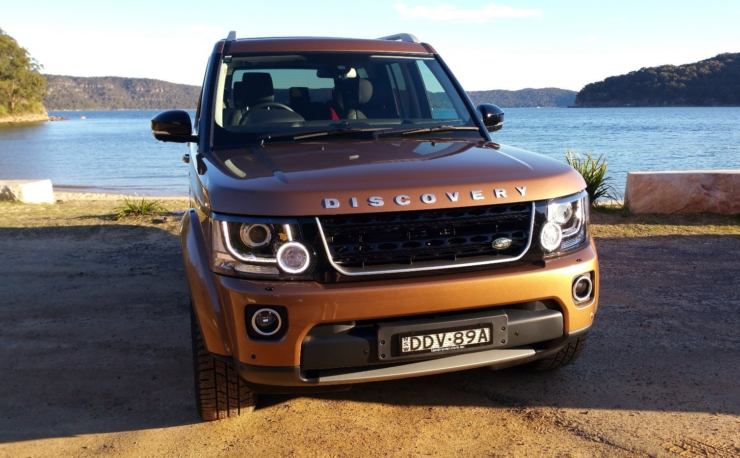 auto review 2016 land rover discovery sdv6 landmark edition exhaust notes australia. Black Bedroom Furniture Sets. Home Design Ideas