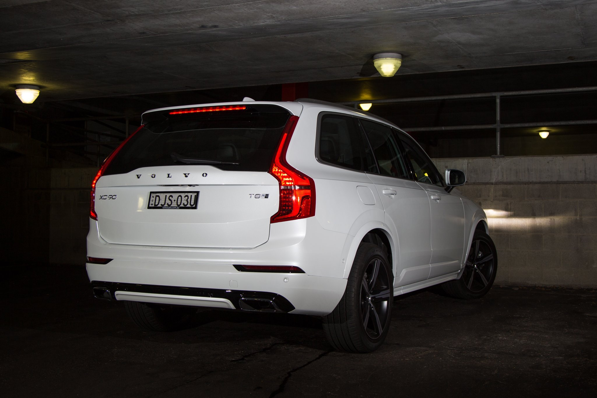 auto review 2017 volvo xc90 t8 r design exhaust notes australia. Black Bedroom Furniture Sets. Home Design Ideas