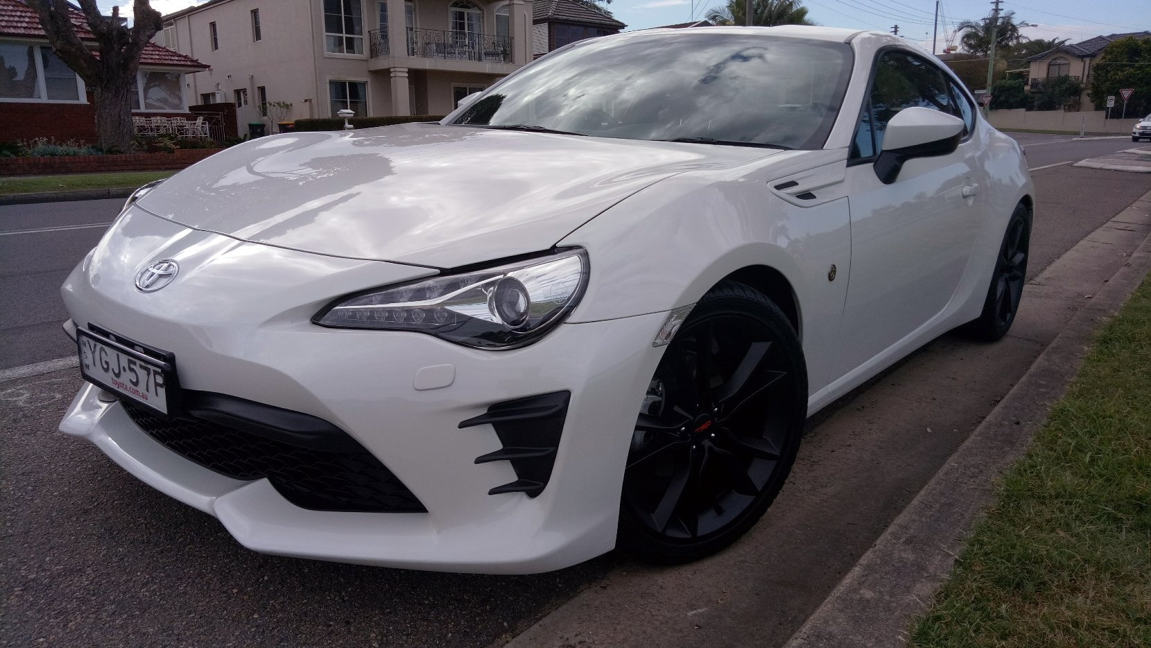 auto review 2017 toyota 86 gt exhaust notes australia. Black Bedroom Furniture Sets. Home Design Ideas