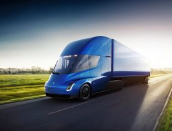 Tesla Semi set for release in 2019