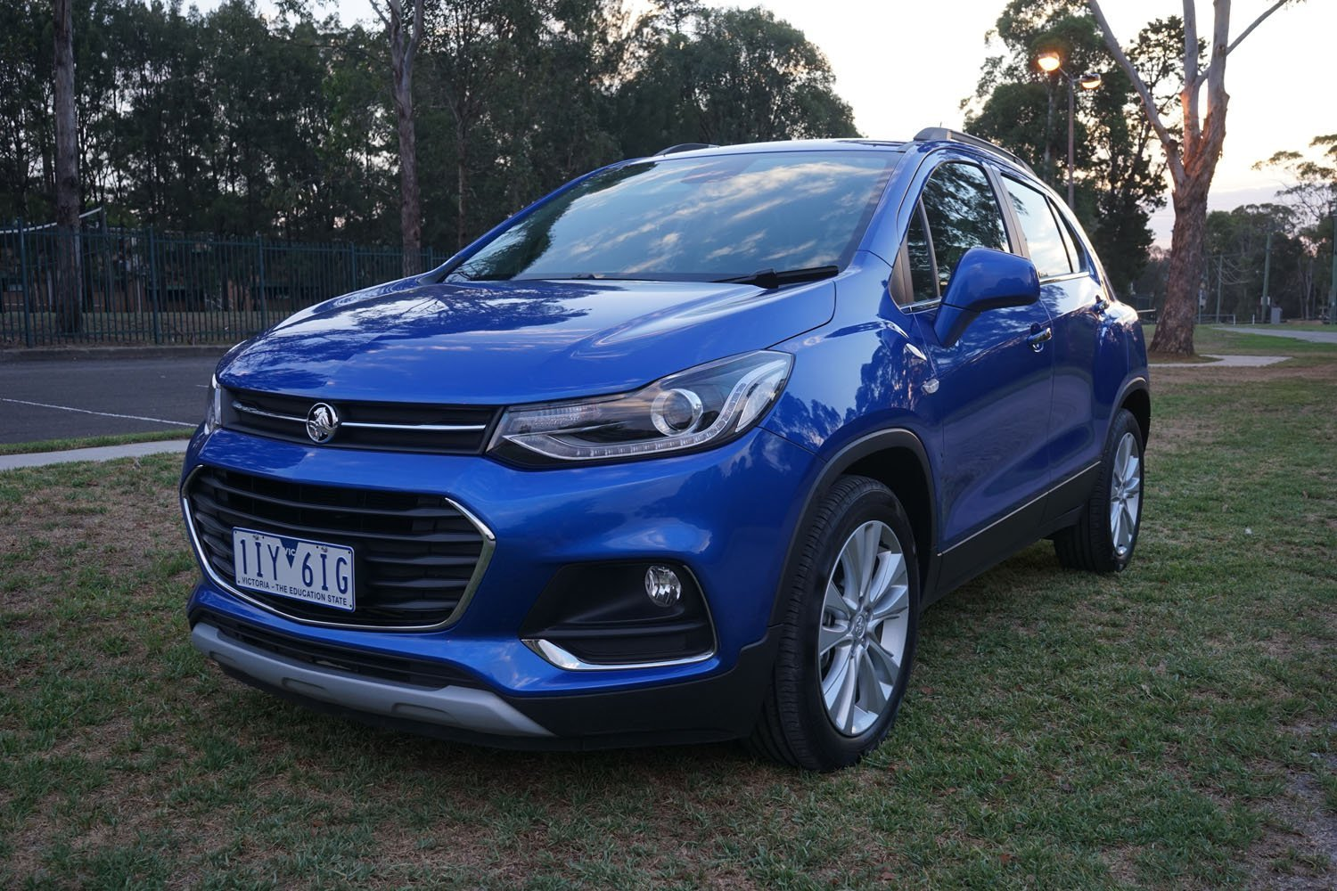 auto review 2018 holden trax lt. Black Bedroom Furniture Sets. Home Design Ideas