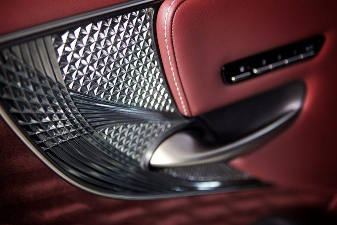 2018 Lexus LS Kiriko glass front door